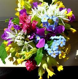 Sag es mit Blumen - bunter Frühlingsstrauss