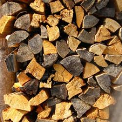 Kaminofen - trockenes Holz
