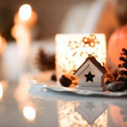 Ein schönes Weihnachtsgesteck erzeugt bei vielen Menschen Weihnachtsstimmung