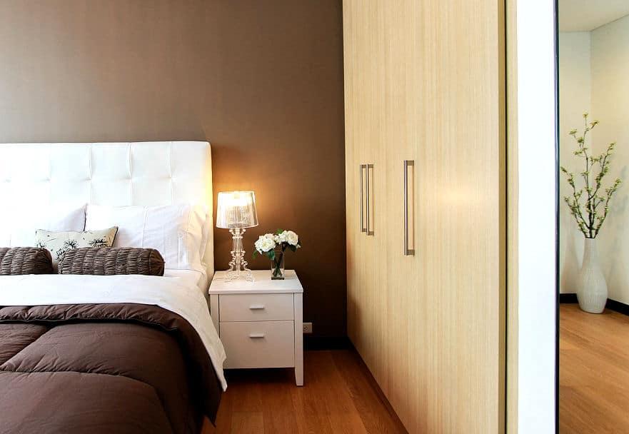 Gemütliches Schlafzimmer in Beige