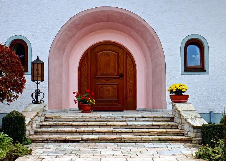 Haustüren & Hauseingänge sind sehr oft eine beeindruckende Visitenkarte für das Innere des Hauses.