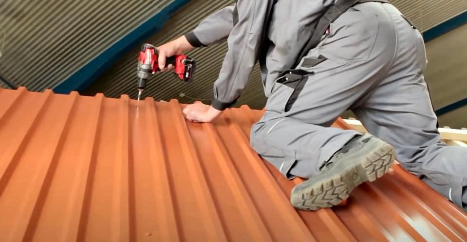 Ein Trapezblech Dach montieren